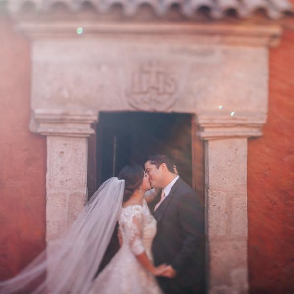 Post wedding in Santa Catalina Monastery Arequipa