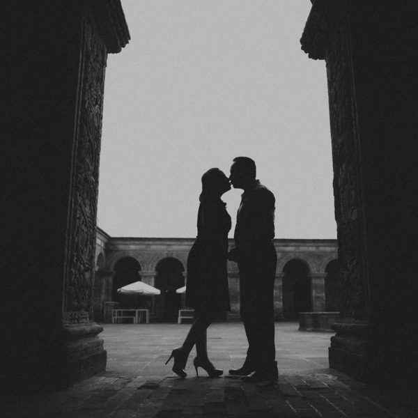 Engagement session in the Historic Center of Arequipa Mishell & Lalo